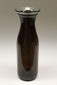 Glas karaffel lavet af flasker
