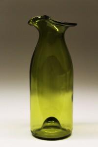 Vinflaske omformet til karaffel