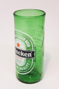 Drikkeglas af Heineken øl flaske