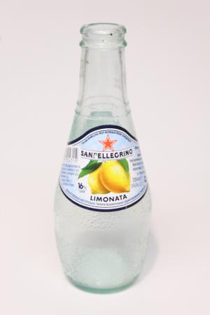 San Pellegrino flaske upcycling til drikkeglas